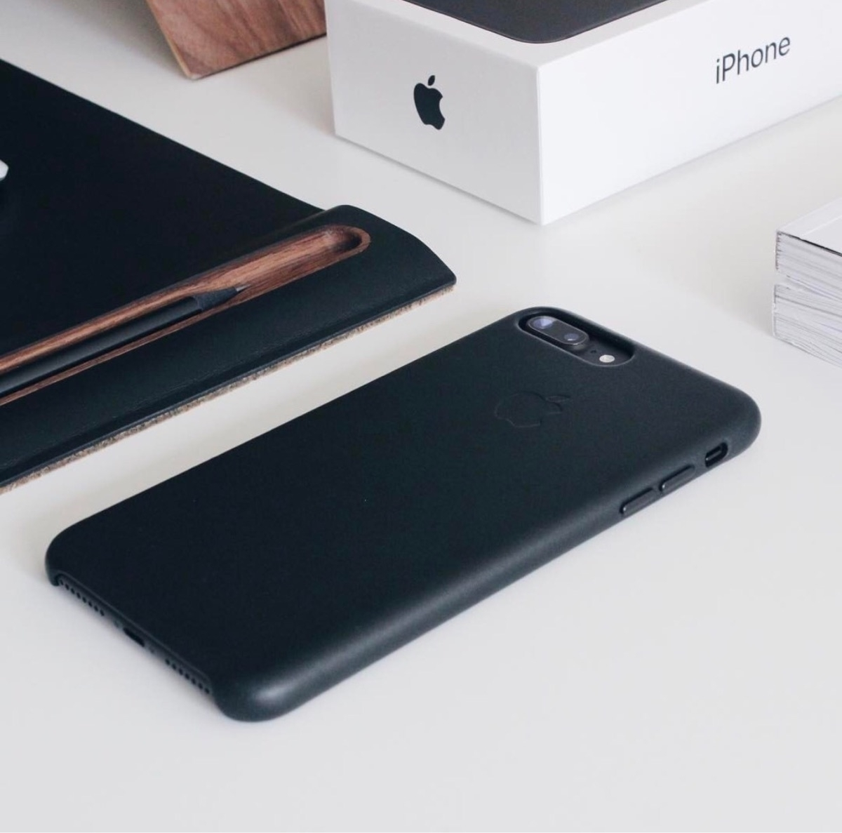 iPhone 7+ Mate black... (produc - edwincanales | ello
