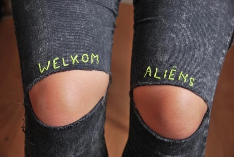 Welkom Aliëns - handembroidery, textile - sienie | ello