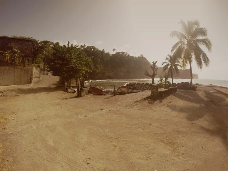 Laetitia Payombo - photography, island - particulescreatives | ello
