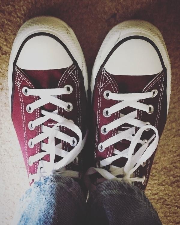 Burgundy Converse. life color - converse - manateeinmoline | ello
