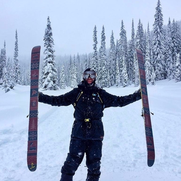 Winter Matt chasing powder Valh - j_skis | ello