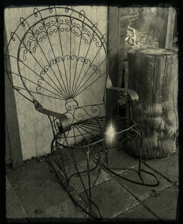 Widow chair grandmas yard - blackandwhitephotography - wonder_woman76 | ello