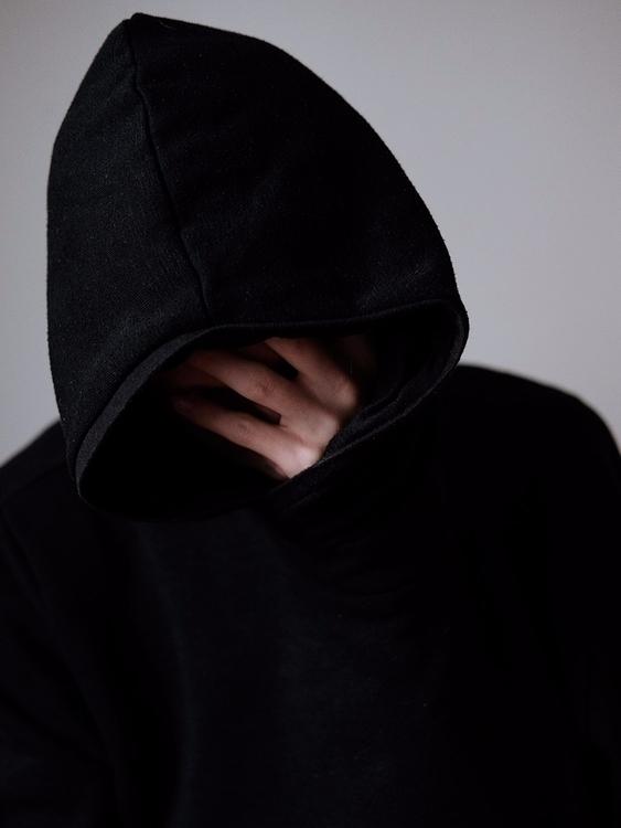 2017 - selfportrait, faceless - esthaem | ello