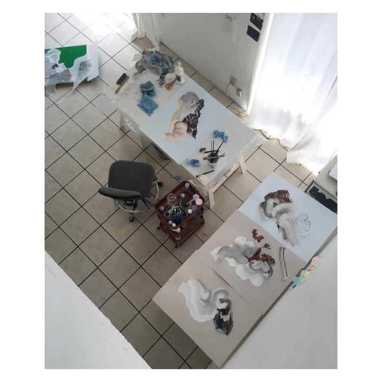 Workspace multitasking - wip, artstudio - veroglezqui | ello