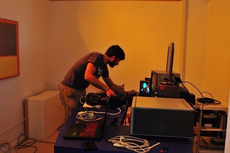 experimental video room - asimodt | ello