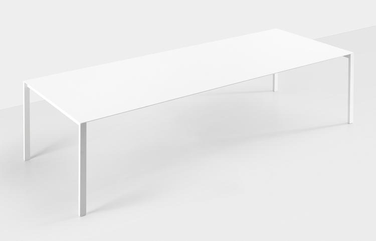 Design: Luciano Bertoncini Kris - minimalist | ello