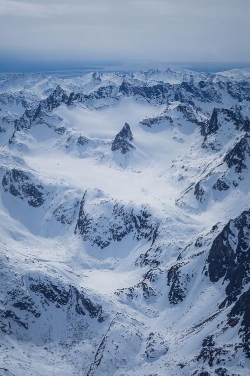 *Nunatak Snowbird Backcountry*  - tobyharriman | ello