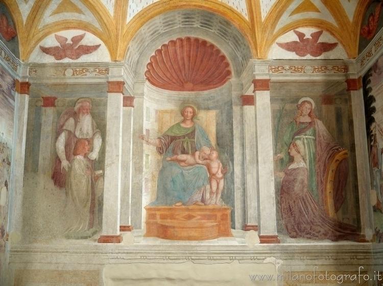 ( , ): Frescoes wall apse Churc - milanofotografo | ello