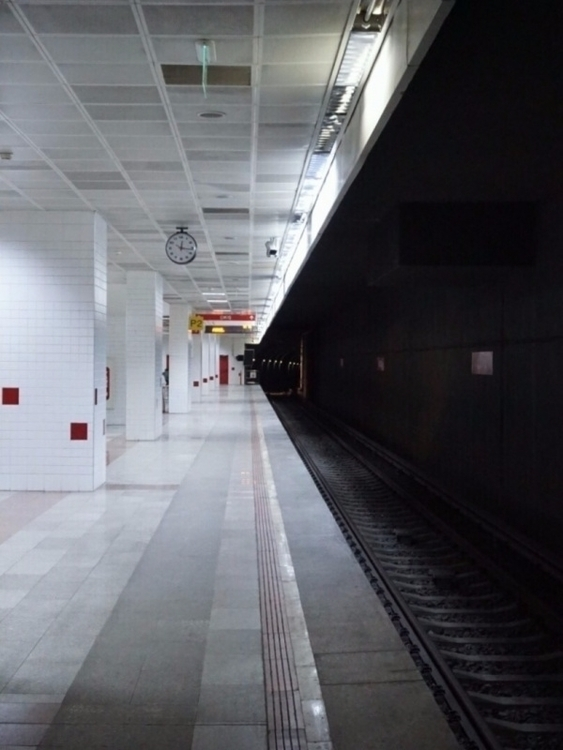 metrostation, photography, ellophotopraphy - humayse | ello
