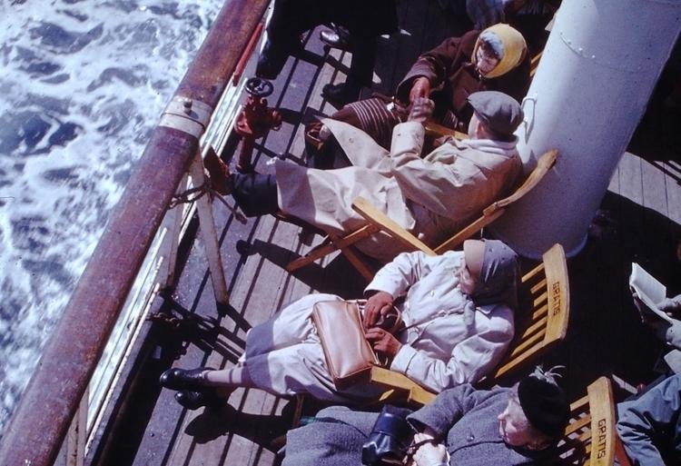 1950s Ferry Passengers - dad Eu - marksusina   ello