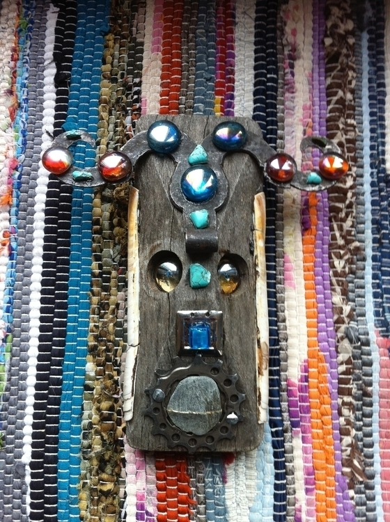 Ethnic Mask Sculpture recycled  - vcoloiera | ello