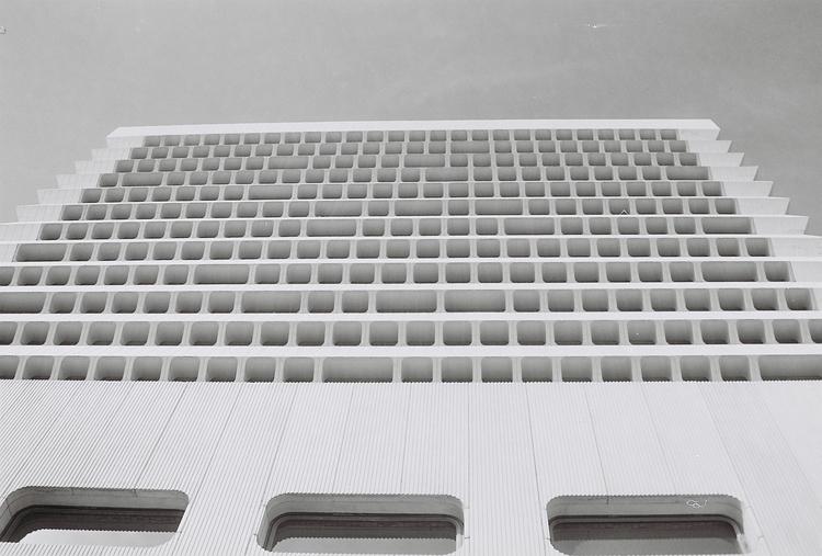 C41 Black white Photograph. 35  - anlia-8183 | ello