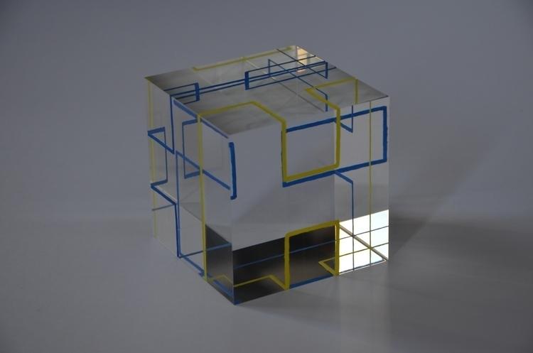 Colored Pad 2 - resin, optical, sculpture - smouss   ello