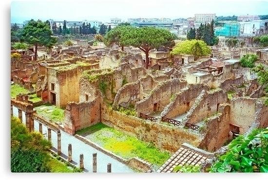 remains Roman town Herculaneum - leo_brix | ello