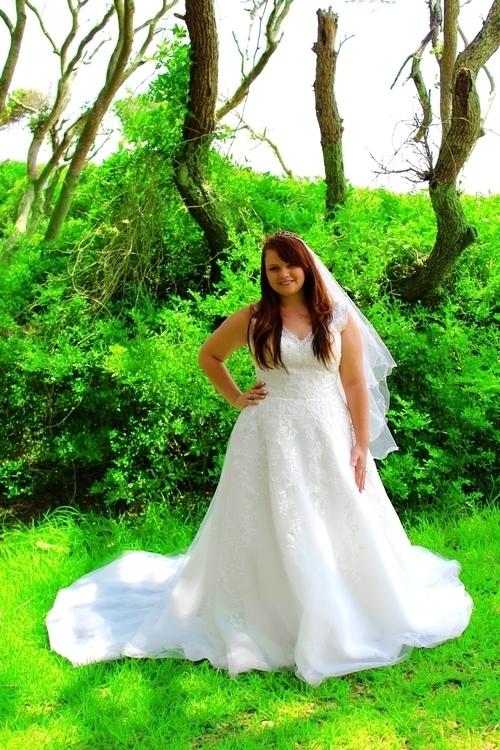 Chelsey Kornegay Bridal - photography - meganarnoldart | ello