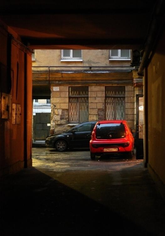 Sankt-Peterburg - car, red, light - usova_julia   ello
