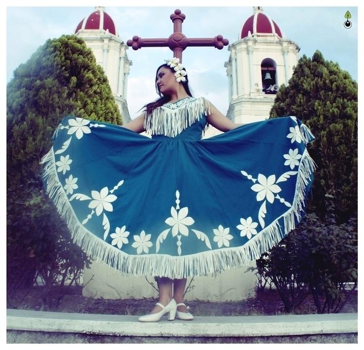 Mis tierras - photography, mexicandancer - lulle-1128 | ello