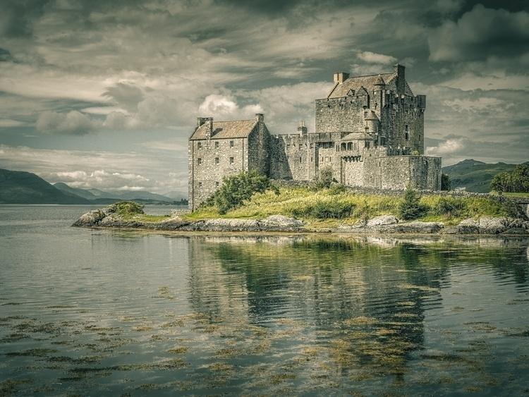 Eilean Donan Castle - castle, donan - matteomescalchin | ello