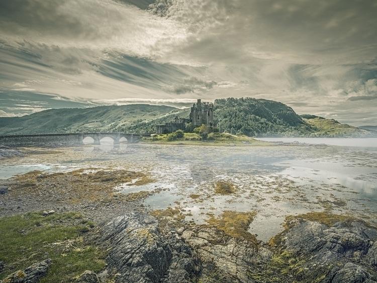 Eilean Donan Castle - scotland, donan - matteomescalchin | ello