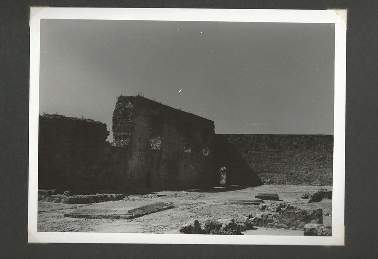 photography, blackandwhite, castle - marisa2794 | ello