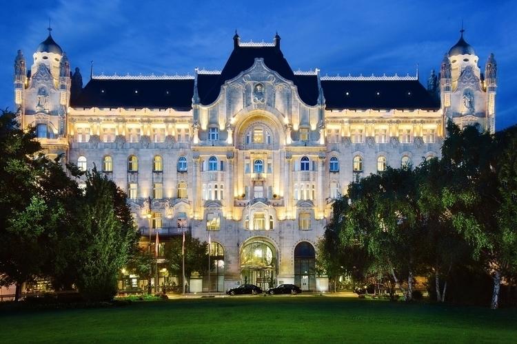 Season Hotel - Budapest - budapest - gergelyjancso | ello