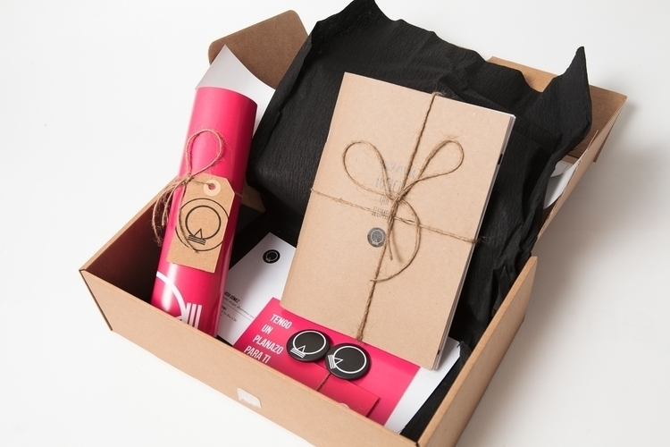 Personal branding portfolio box - lucecitasroom | ello