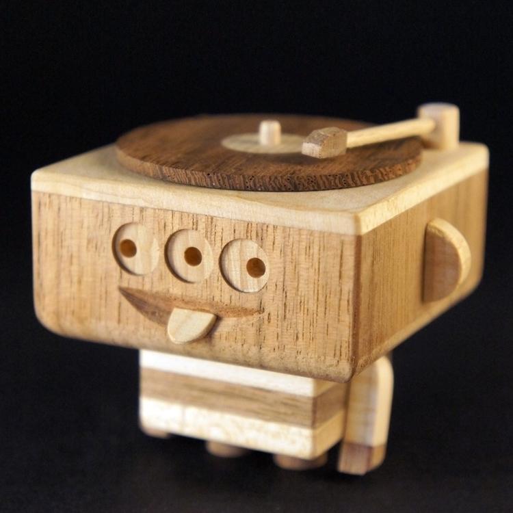 Handmade wooden toy - handmadediywoodwoodentoyrobotcharacterdesignfigures - louloutummie | ello