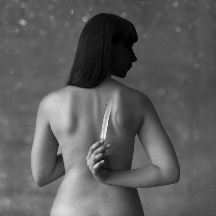 Profile - woman, body, feather, hand - kwadrart | ello