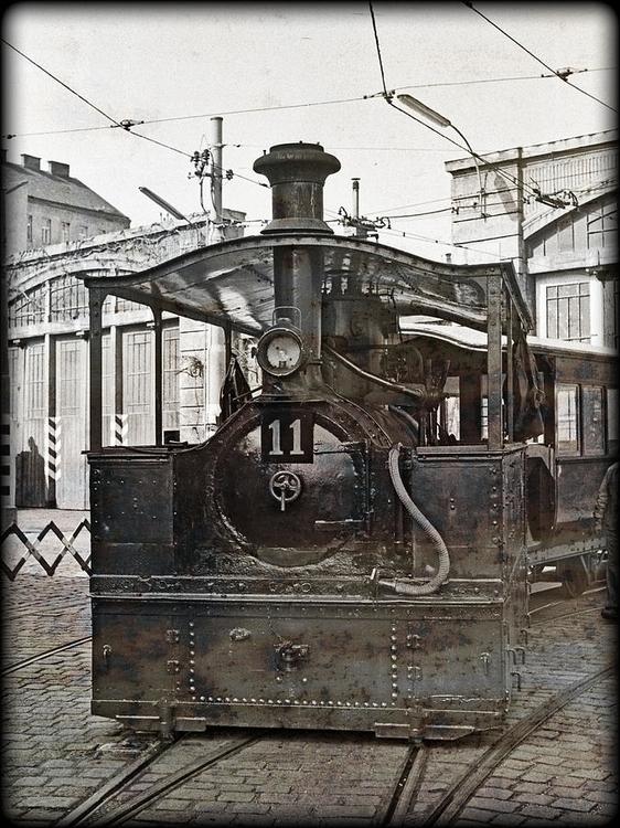 steam tram streets Vienna, Aust - leo_brix | ello