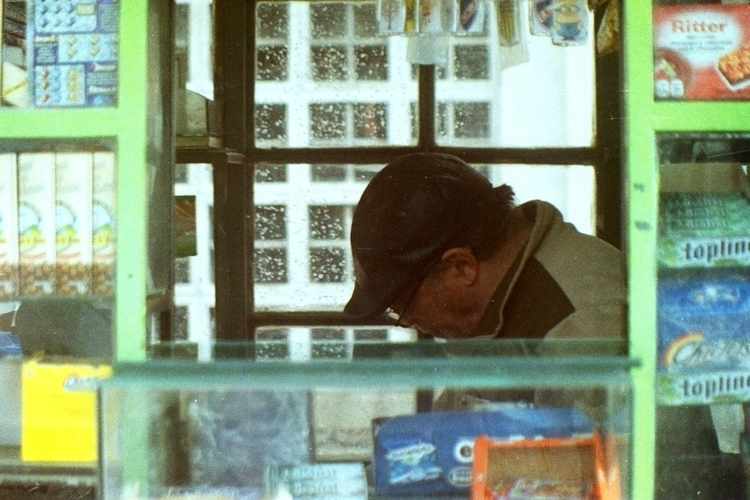 Kiosk Man - kiosk, kiosko, photo - alvimann | ello