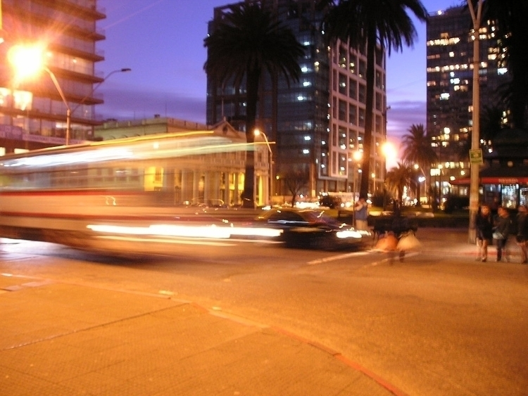 line, bus, traffic, night, photo - alvimann | ello