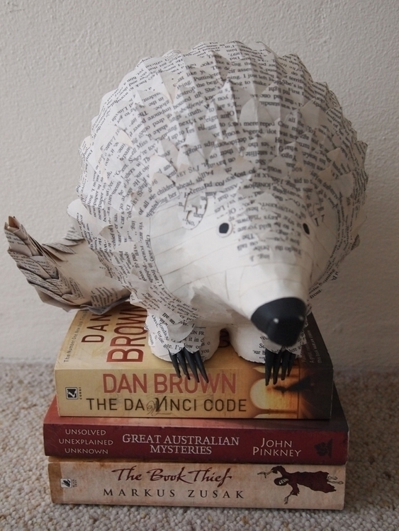 Pangolin: ant-eater - papercraft - janakilele | ello