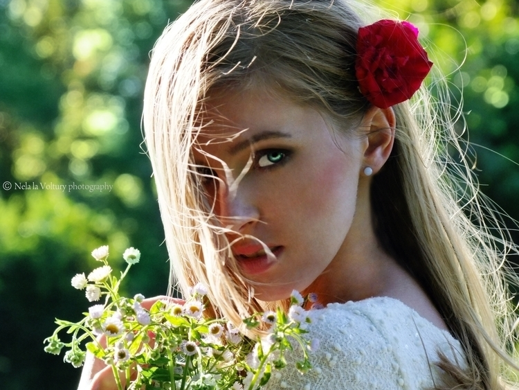 Model, MUA: Michaela Jurasová P - nelagriminelli_art   ello