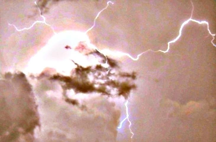 Lightning - photography - cheechwiz | ello
