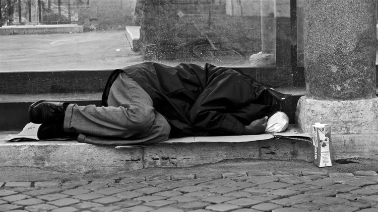 Tavernello rocks - rome, homeless - stefanolazzaro | ello