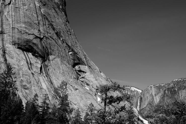 Yosemite Falls distance - photography - cannonball-2457 | ello