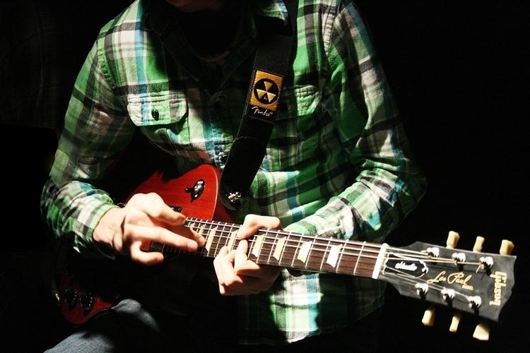 Guitar Shreddage, lighting. Dig - meganschuver   ello