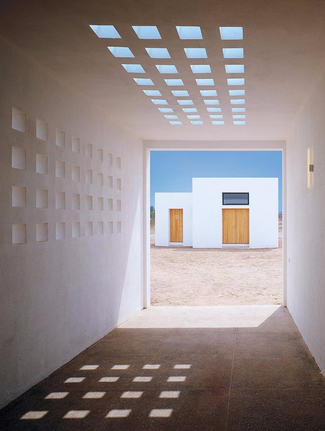 Embrace Light Photo Jean Marie  - fieldmag | ello