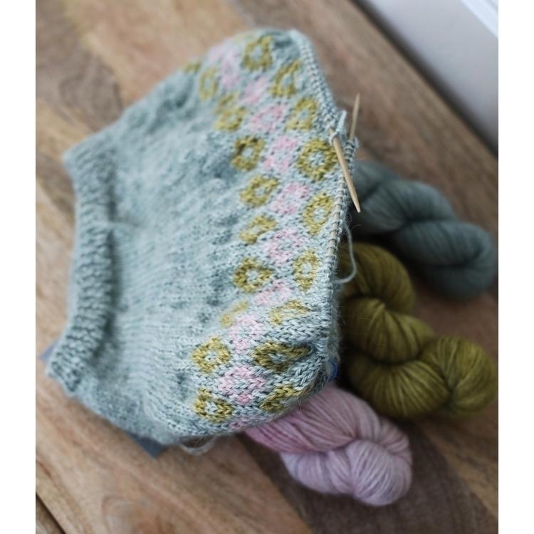 Hand dyed yarn knitting alpaca  - entropyalwayswins | ello