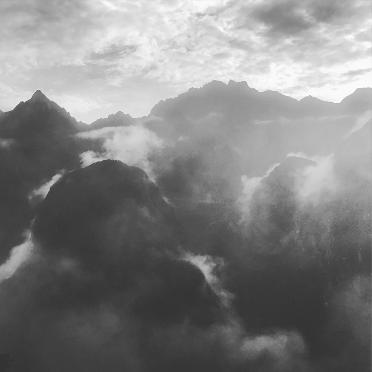 Machu Picchu early morning - tsiah | ello