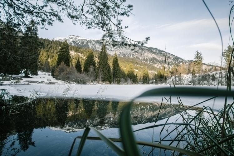 stunning lake - jeyhag | ello