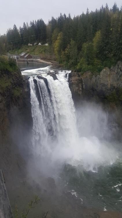 Snoqualmie Falls, WA - littleduffer20 | ello