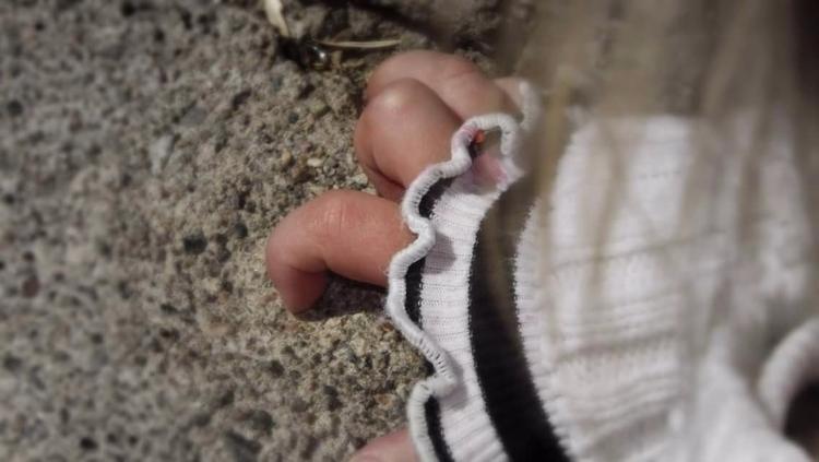hand - throwback - katroselamb | ello