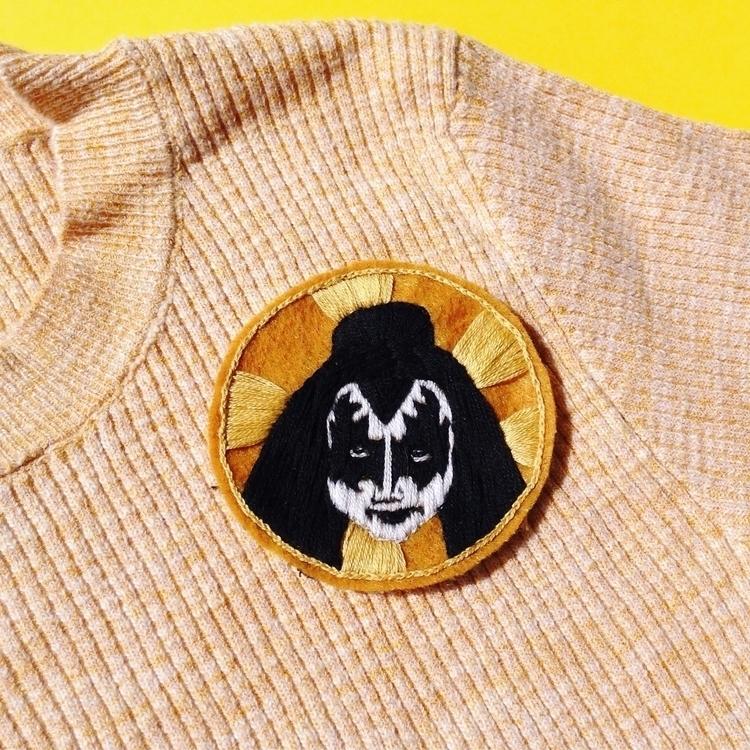 embroideryart, embroideredpatch - crossthepop | ello