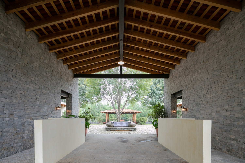 La Stella Ranch / AE Arquitecto - red_wolf   ello