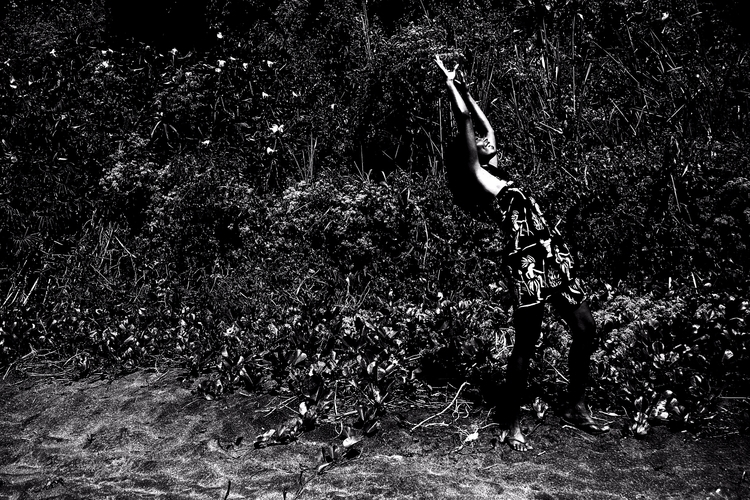 Laetitia Payombo - photography, blackandwhite - particulescreatives   ello