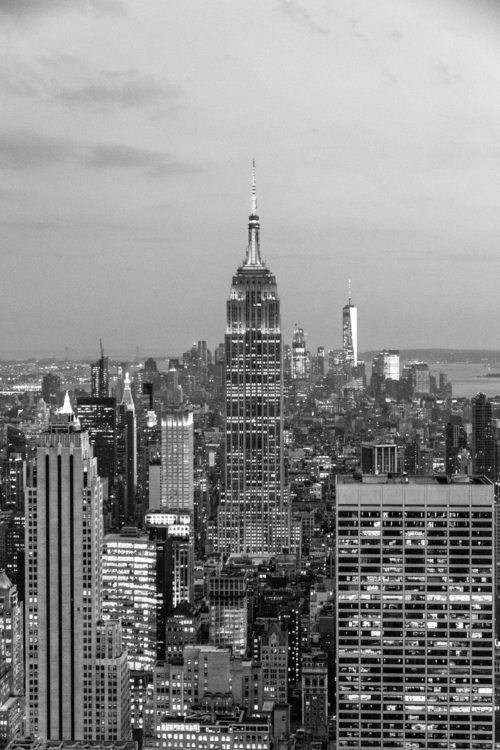 Empire State Building. photogra - vincentwinther | ello