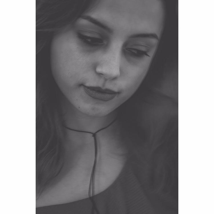 singer-songwriter Elyssa Dawn.  - iangarrickmason | ello