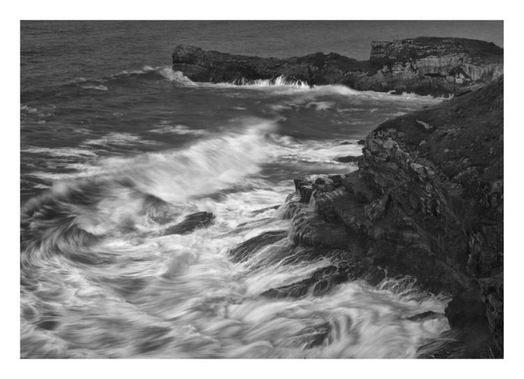 Rocks Waves - guillermoalvarez | ello