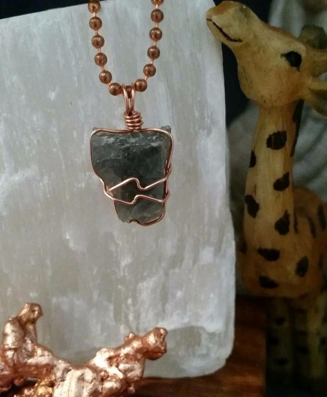 Labradorite stone transformatio - elevatingvibrations | ello